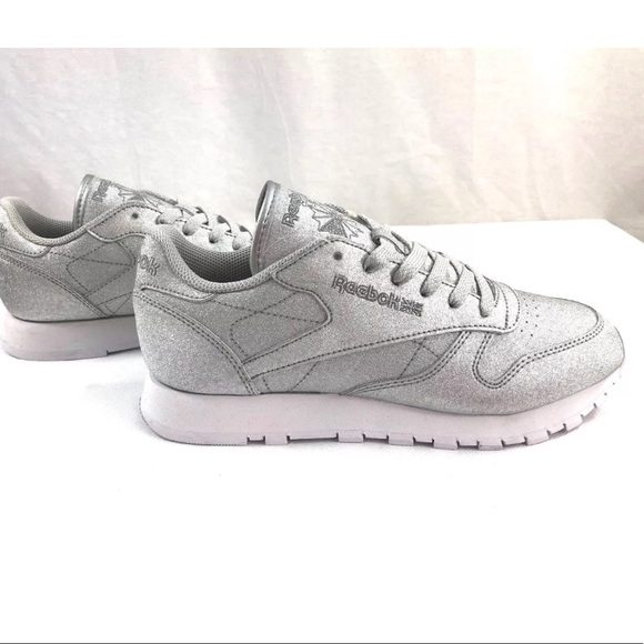 Classic Leather Syn Sneakers Sliver